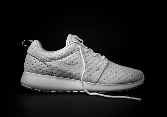 Nike Roshe One Perf Dot Pack White