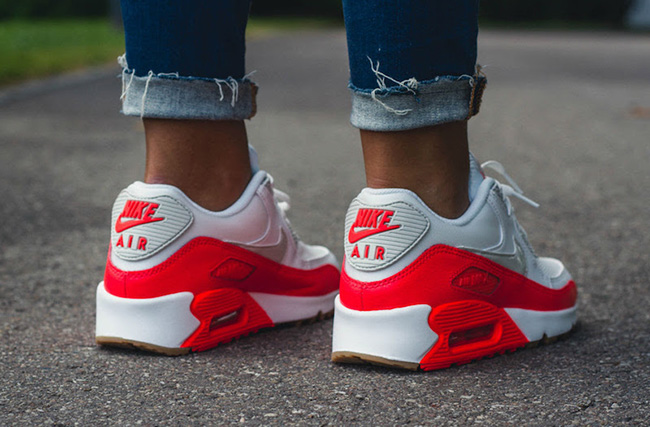 Nike WMNS Air Max 90 Bright Crimson