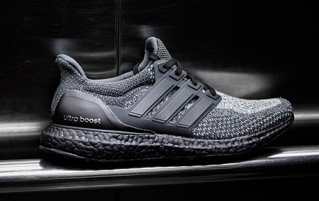 4c5e1fae4cf adidas Ultra Boost Black Sole
