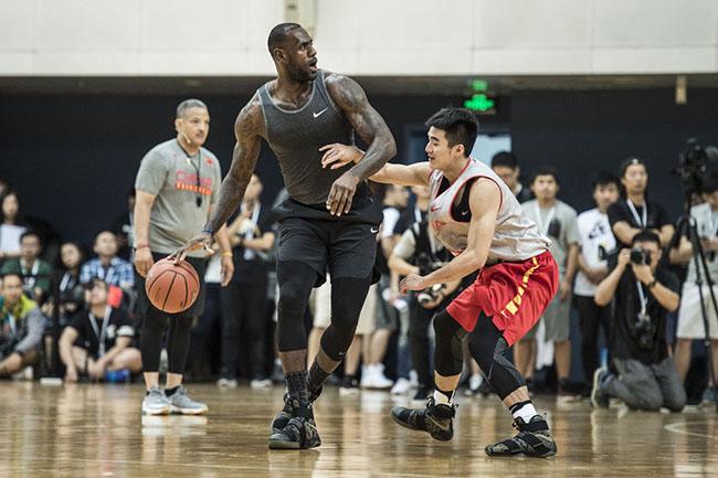 830b980942d7 LeBron James Nike LeBron Soldier 10 Camo