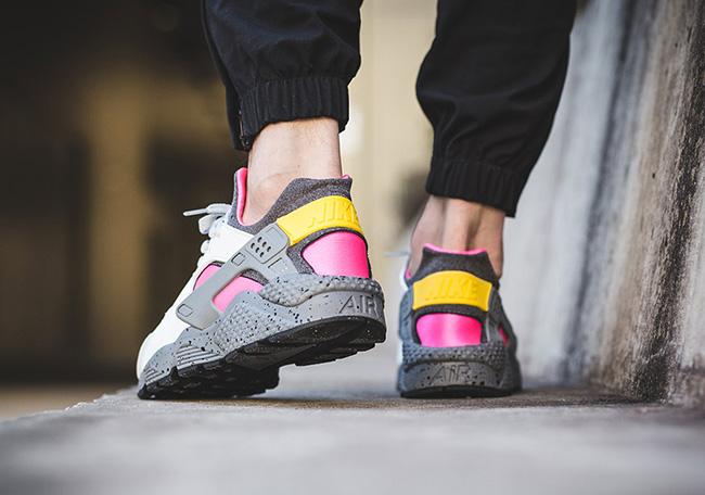 Nike Air Huarache SE Pink Blast