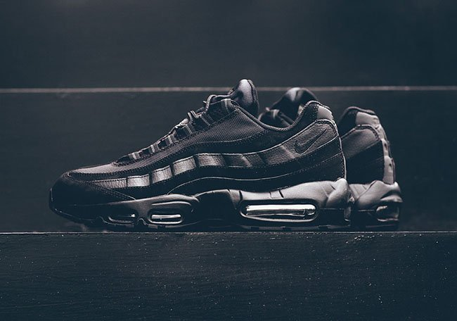 f2d426a3c0 Nike Air Max 95 Triple Black Anthracite | SneakerFiles