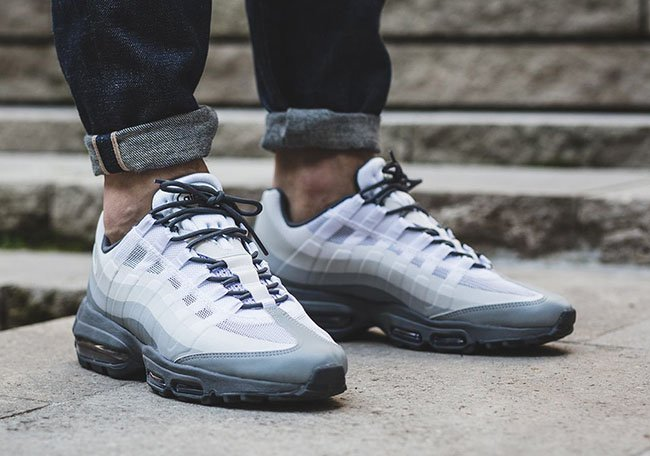 19bc6711a8 Nike Air Max 95 Ultra Essential Stealth | SneakerFiles