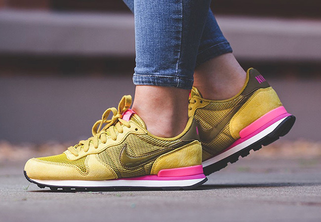 nike internationalist color