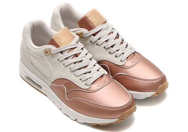 Nike WMNS Air Max 1 Ultra Metallic Toe Bone Metallic Red Bronze