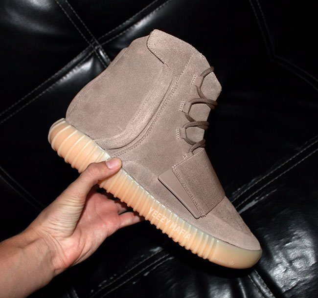 adidas Yeezy Boost 750 Chocolate Glow in the Dark