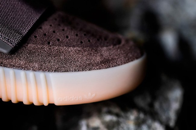 adidas Yeezy Boost 750 Chocolate On Feet