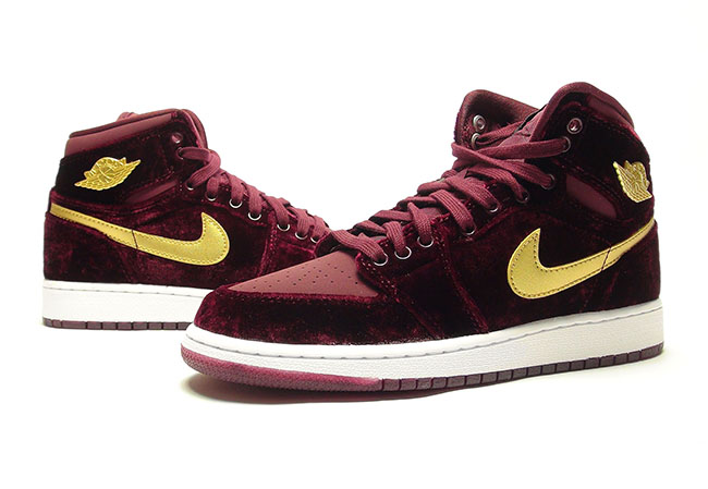 Video: Air Jordan 1 Velvet 'Night Maroon'