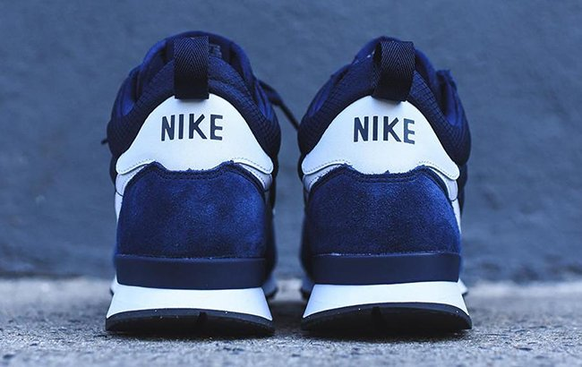 Nike Internationalist Mid Navy White