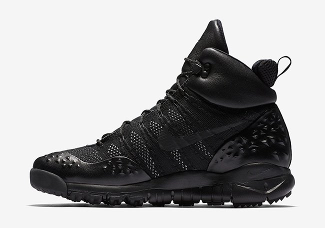 Nike Lupinek Flyknit Triple Black