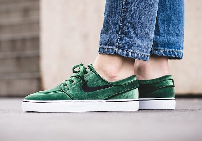 Nike SB Stefan Janoski Green Velvet Christmas On Feet