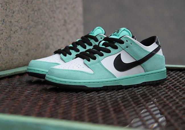 b20a609362b5 Nike SB Dunk Low Sea Crystal