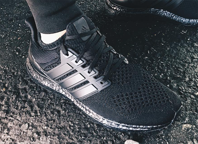 Triple Black Ultra Boost adidas