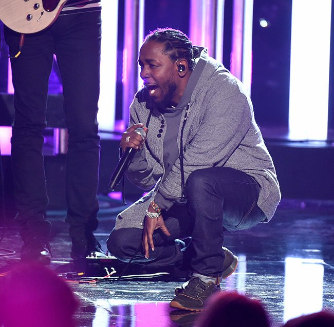 Kendrick Lamar AMA Awards Reebok Classic Leather Lux