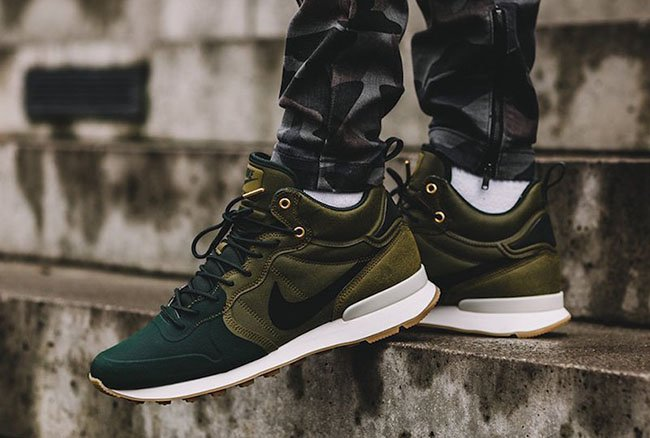 timeless design 9e9ec 2003c Nike Internationalist Utility Olive Flax