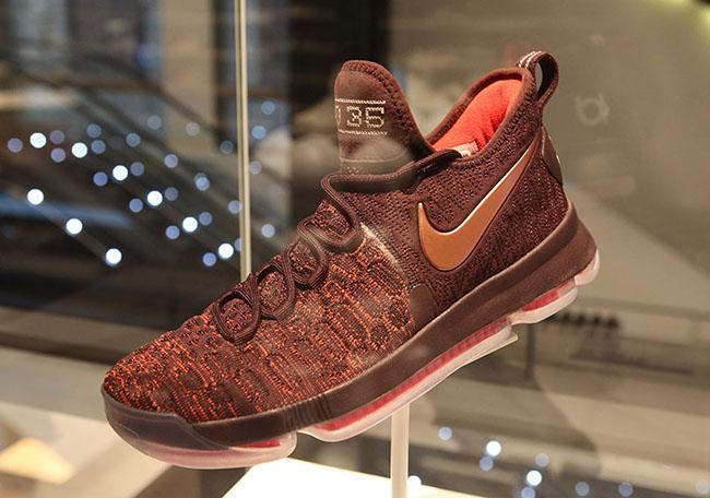 Nike KD 9 Christmas Nike SoHo