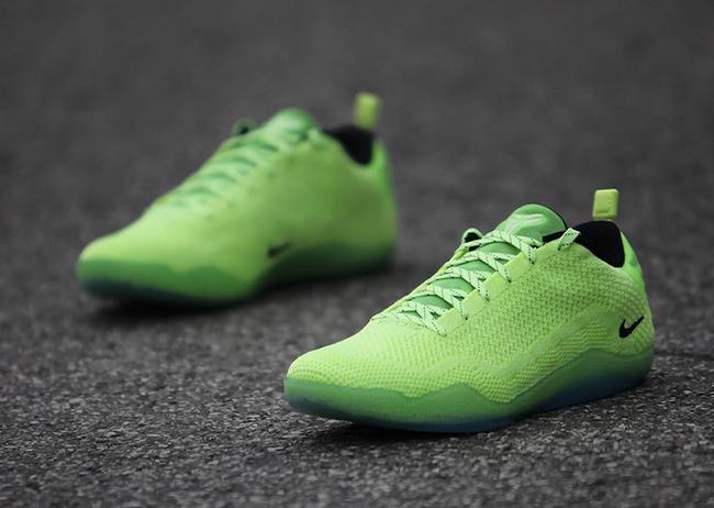 Nike Kobe 11 Elite Low Christmas