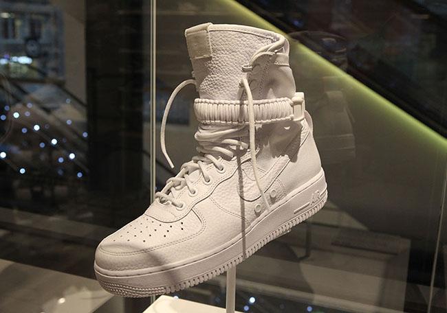 Nike SFAF1 White Nike SoHo