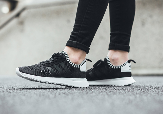 the best attitude eda44 b2794 adidas Flashback Primeknit Women Black White