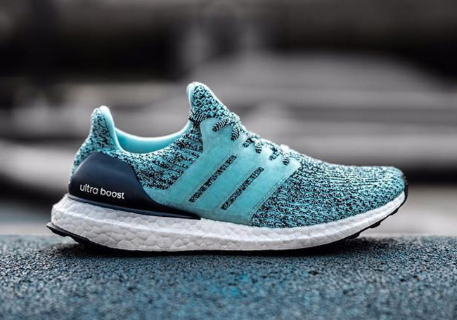 https://www.sneakerfiles.com/wp-content/uploads/2016/12/adidas-ultra-boost-3-0-aqua.jpg