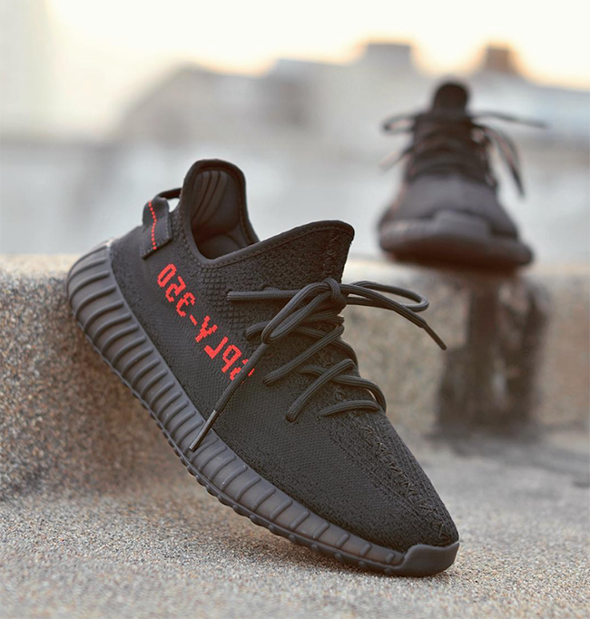 Adidas Yeezy Boost 350 v2 Infant Core Black / Solar Red Sneaker