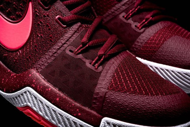Hot Punch Nike Kyrie 3