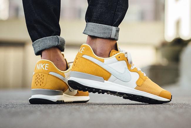 Nike Air Berwuda Premium Gold Leaf