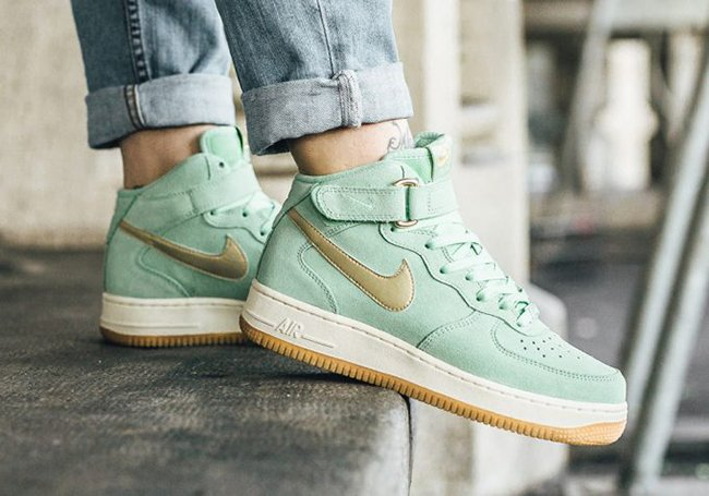 Nike Air Force 1 Mid Enamel Green