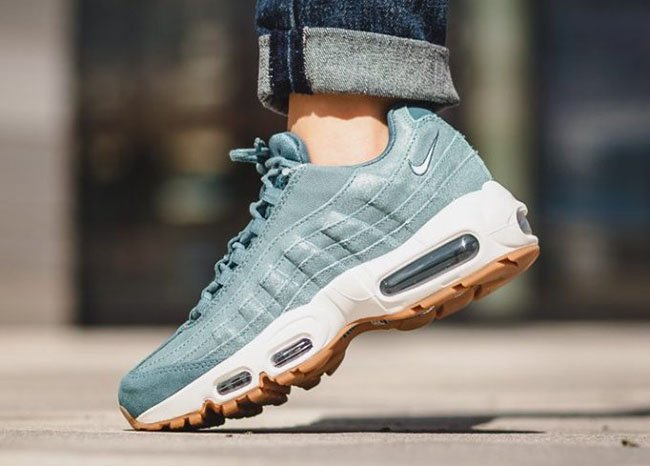 pretty nice 429a0 e86b0 Nike Air Max 95 Smokey Blue
