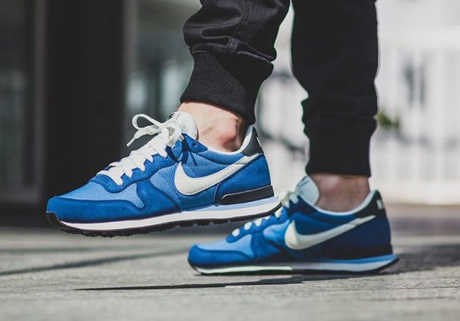 https://www.sneakerfiles.com/wp-content/uploads/2016/12/nike-internationalist-star-blue-sail-coastal-blue-anthracite.jpg