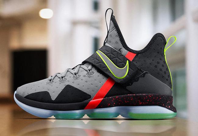 Nike LeBron 14 Christmas