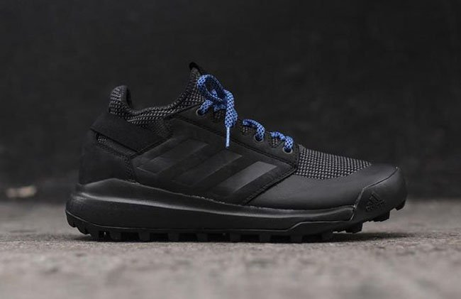 adidas Mountain Pitch Black Blue