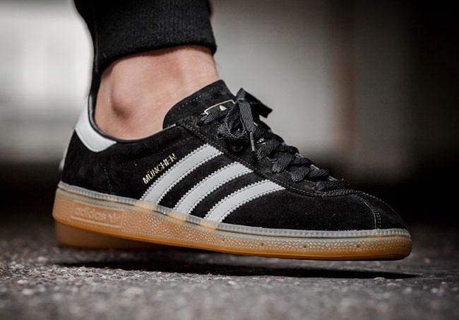 Superar Leeds doble  adidas Munchen Black Gum BB5296 | SneakerFiles
