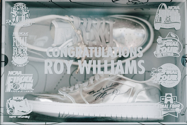 Air Jordan 1 Low Pinnacle Roy Williams 800 Wins