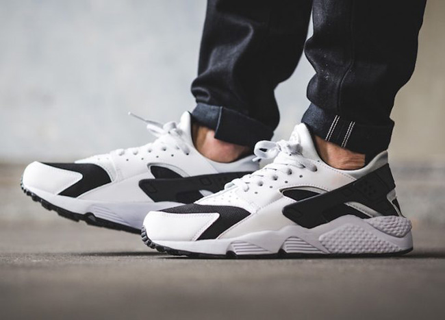 separation shoes ec0d8 0737e Nike Air Huarache White Black Platinum