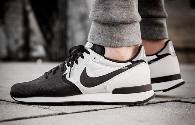 Nike Internationalist PRM Black White