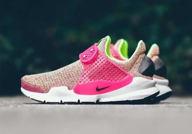 Nike Sock Dart SE Multicolor Ghost Green Hot Punch