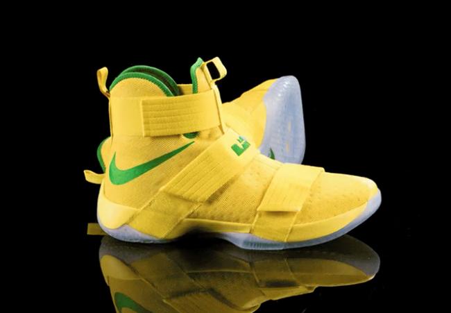 Oregon Ducks Nike LeBron Soldier 10 Yellow Green