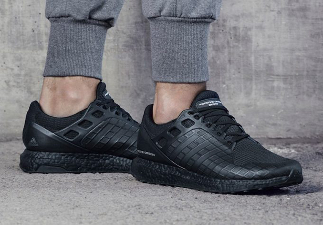 huge selection of ad254 72207 Porsche x adidas Ultra Boost Triple Black BB5537 | SneakerFiles