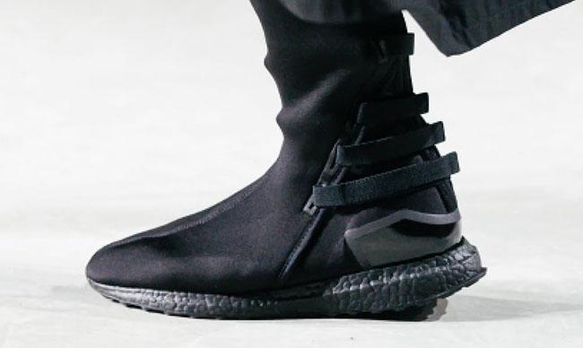 "bdb16638f667d Model Kozoko High ""Triple Black"" adidas Y-3 Qasa Elite Triple Black adidas Y -3 Zazu Triple Black ..."