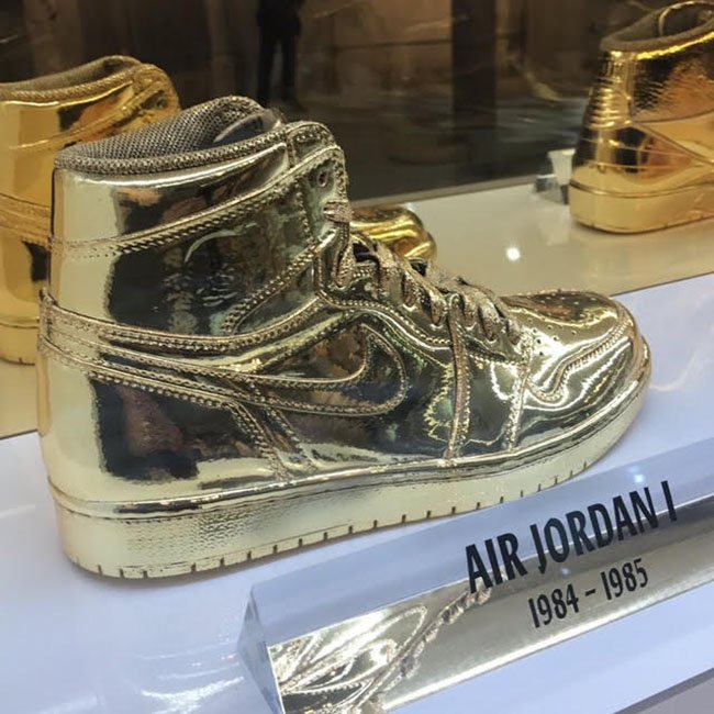 Air Jordan 1 Gold