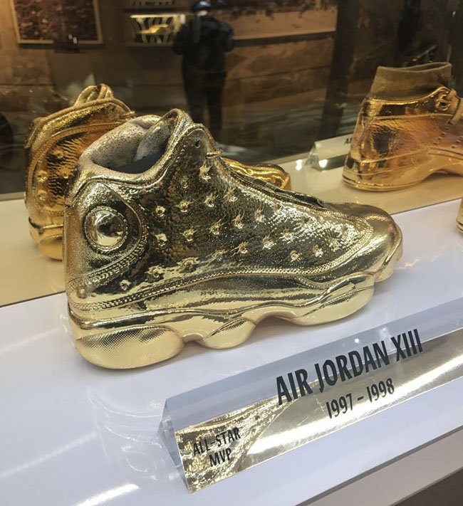 Air Jordan 13 Gold