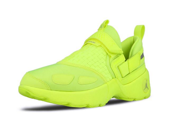 Jordan Trunner LX Volt 919154-705 Release Date  a111123a0