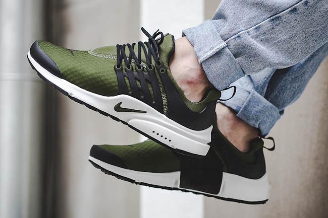 Nike Air Presto Essential Legion Green