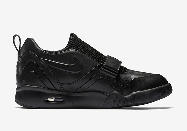 Nike Air Tech Challenge XVII Triple Black