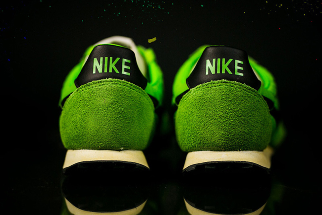 Nike Waffle Racer Premium Action Green