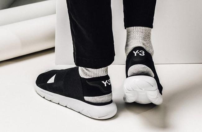 b72bf67d9 adidas Y 3 Qasa Sandal in Core Black and White good - cuuladh.ie
