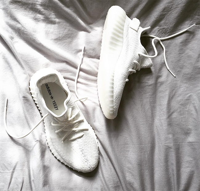 adidas Yeezy Boost 350 V2 Triple White