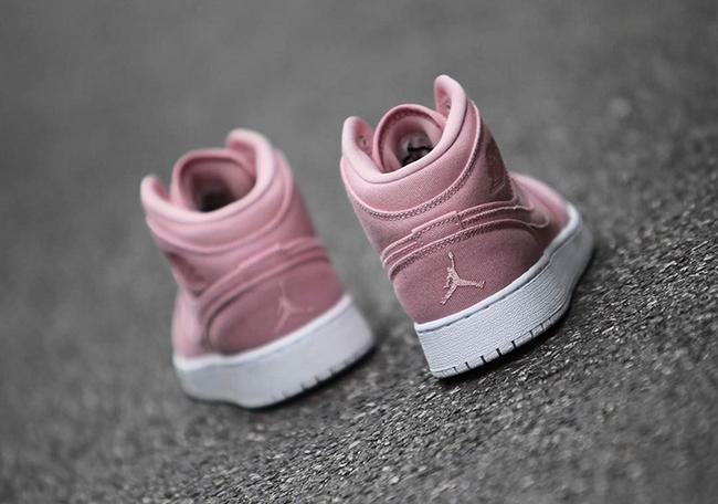 Air Jordan 1 Mid Pink