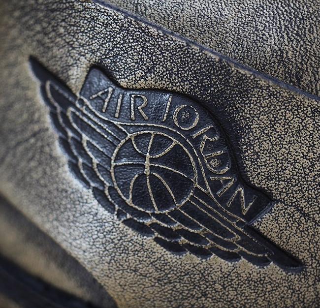 Air Jordan 1 Wings Metallic Gold AA2887-035